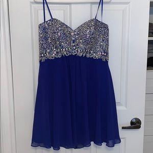 Dresses & Skirts - party/evening dress